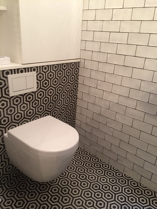 Mur salle de bain avec Mayolica