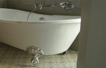 salle de bain et carreaux ciment