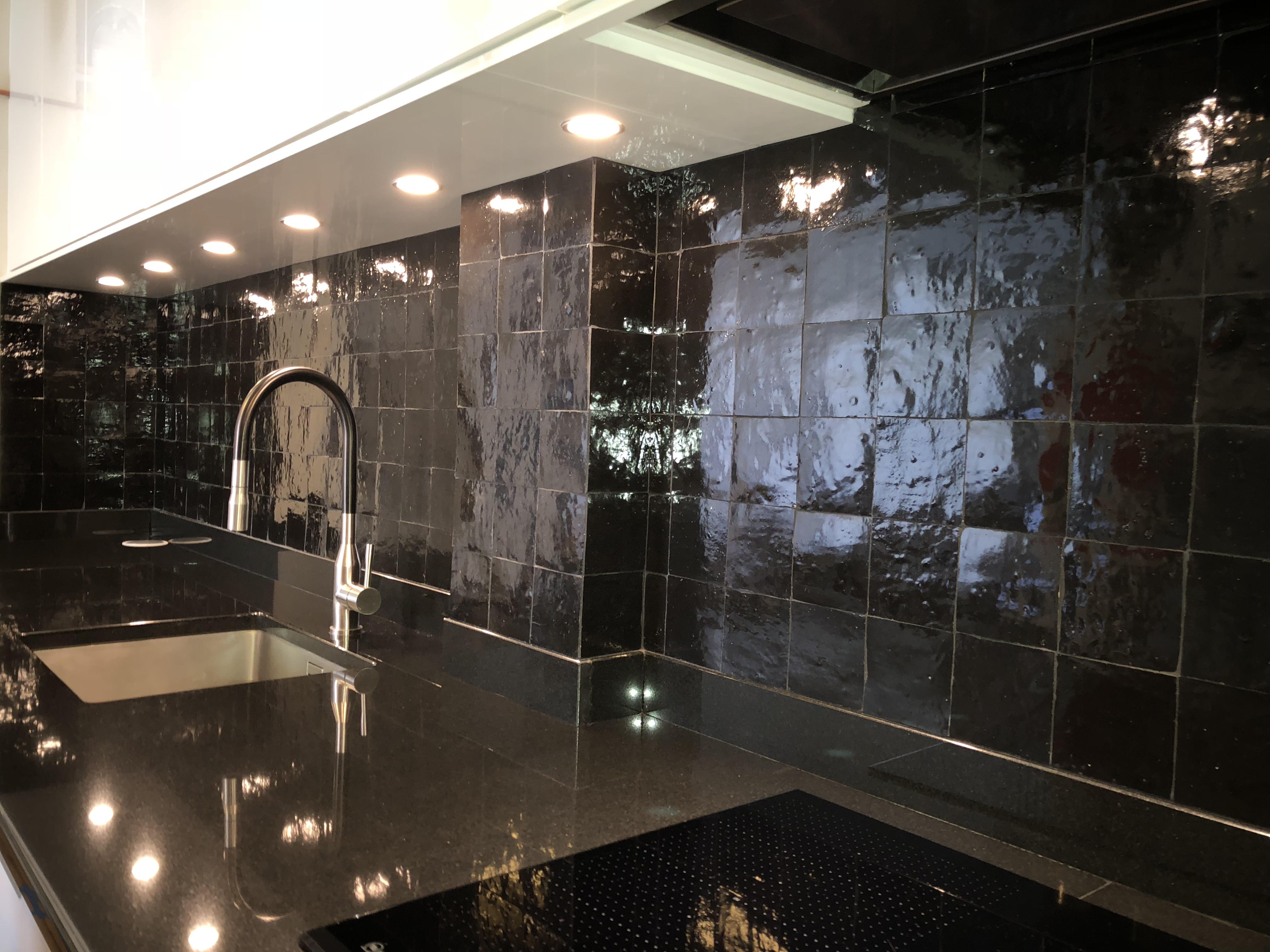 zellige zellige noir n 30 charme parquet paris. Black Bedroom Furniture Sets. Home Design Ideas
