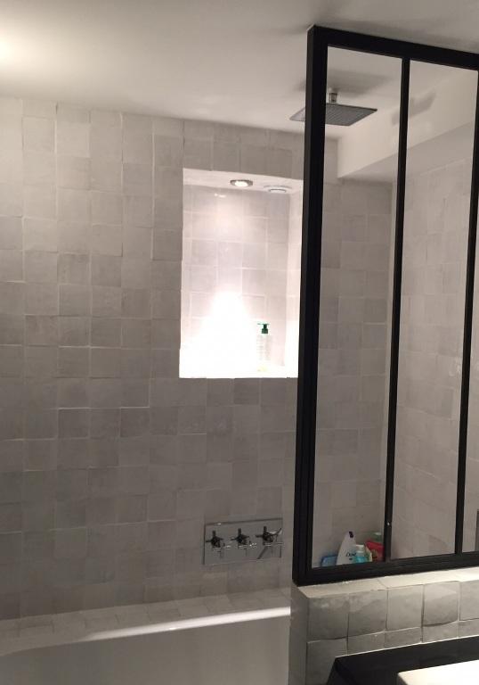 Salle de bain zellige blanc
